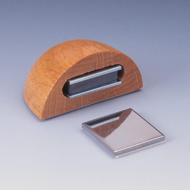 zarážka dveří magnetická s fixací pohybu - dub
